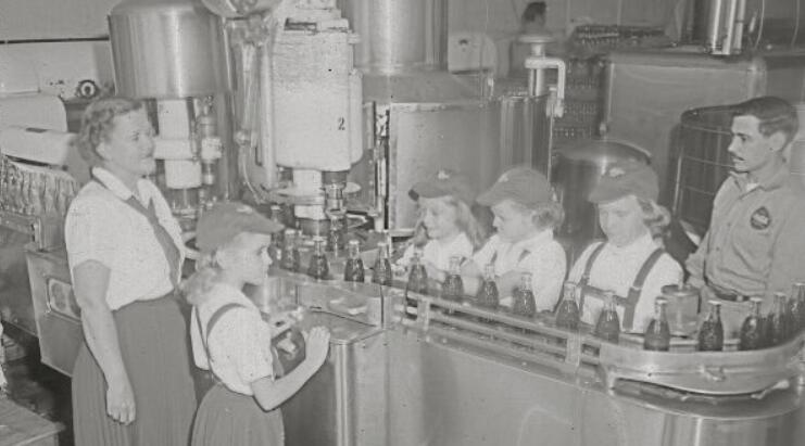 Do you know the soda water filling business history?